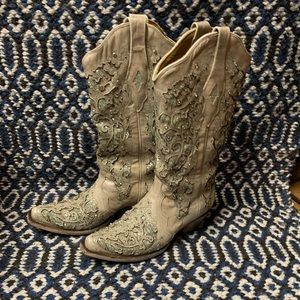 Corral size 9